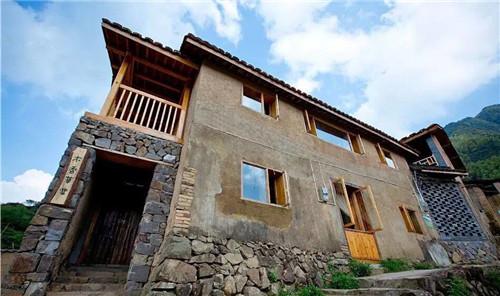 """""""云上平田""""是一个小型的农村设计综合体,其中的精品民宿""""木香草堂"""""""