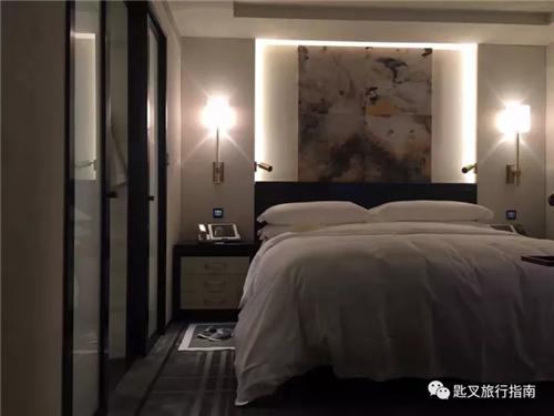 王府半岛的新版夜床模式极尽雍容图片