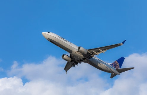 疫情致国际航班减少 私人包机业务供不应求