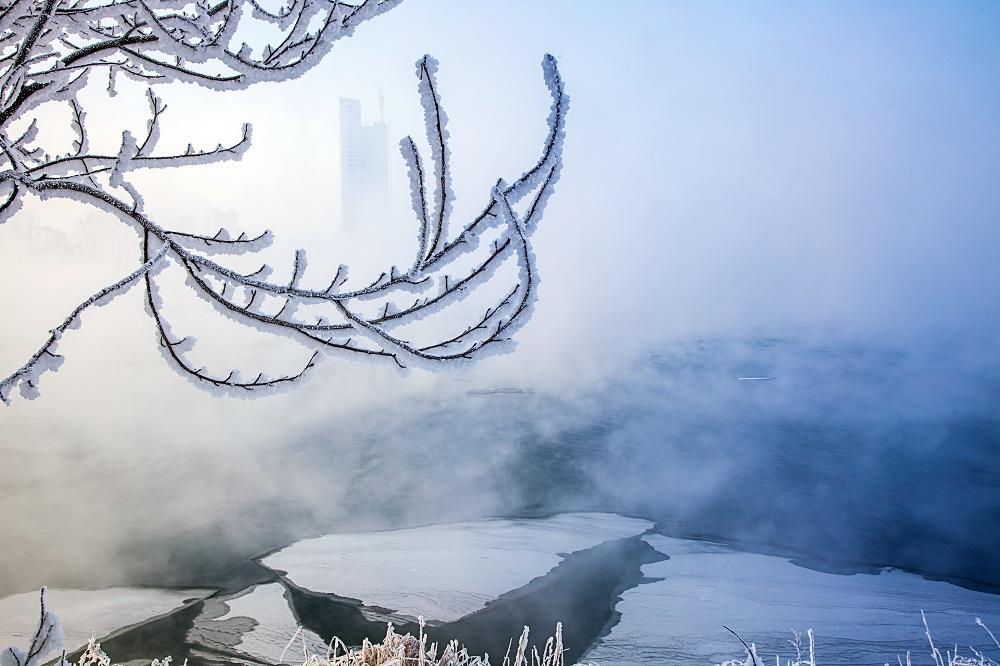 融创雪世界曝死亡事故,国内滑雪业需尽快走向专_x005f_x005f_x0008_业化运营