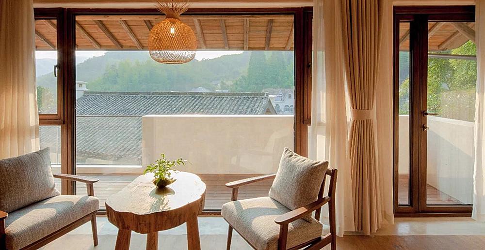 睡了200家酒店,最迷人的是它的窗   寻礼