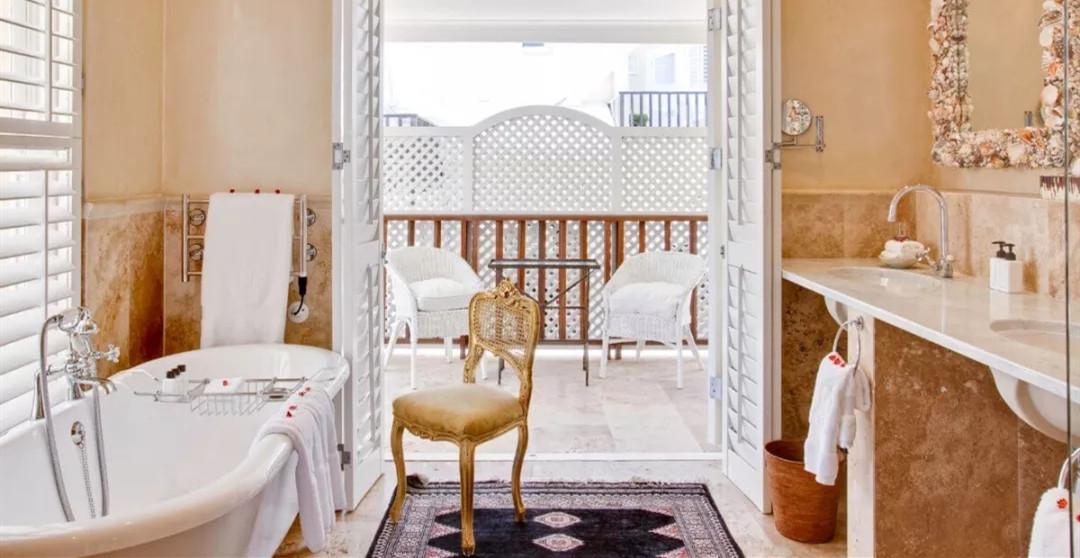 酒店与浴缸:最高级的私密体验  藏在洗澡水中   寻礼