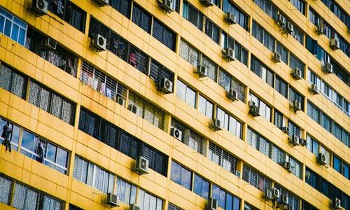 卷土重来的群租房 蓝领公寓到底哪儿不行了?