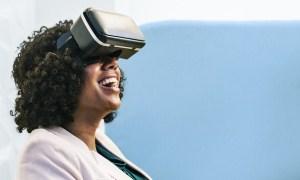 Microsoft将SharePoint应用到VR头显中,给企业培训提供更多便利