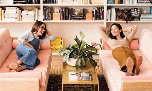 共享办公空间The Wing:女性聚在一起 就有希望和光