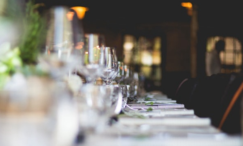 金陵饭店前三季度净利润同比下降17.66%