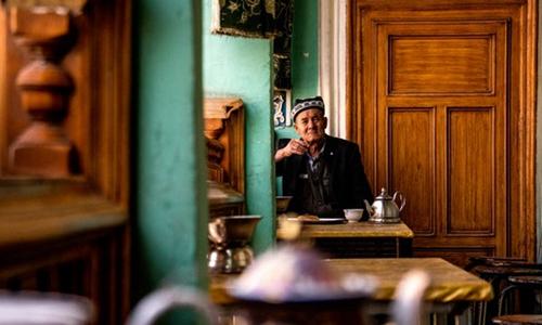 探访:新疆特色民宿激发乡村振兴新活力