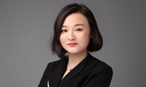 王芳出任重庆华宇温德姆至尊豪廷大酒店餐饮总监