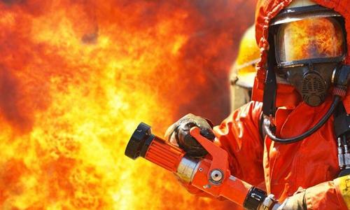 意大利罗马西班牙广场酒店突发火灾 幸无人员伤亡