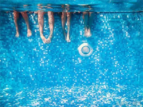 悉尼一酒店在清洗泳池时混合清洁剂产生了有毒气体