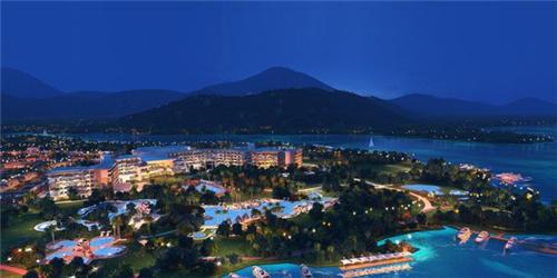 海南兴隆希尔顿逸林滨湖度假酒店9月25日正式开业