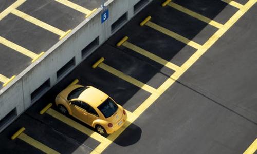 酒店对门前车辆的停放有管理权吗?