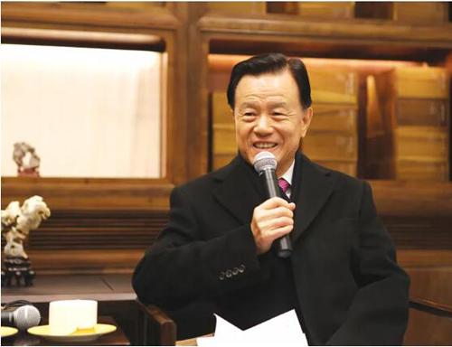 许荣茂:志在远方 心系中华