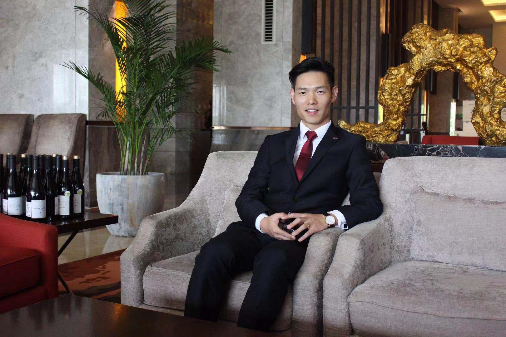 冯豹出任徐州绿地皇冠假日酒店市场销售总监
