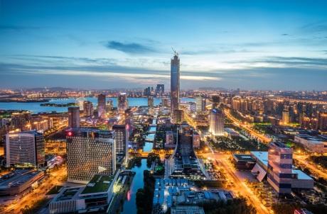 """""""万亿城市""""竞争困局:哪一座城才是酒店巨头们追捧的""""沃土""""?"""