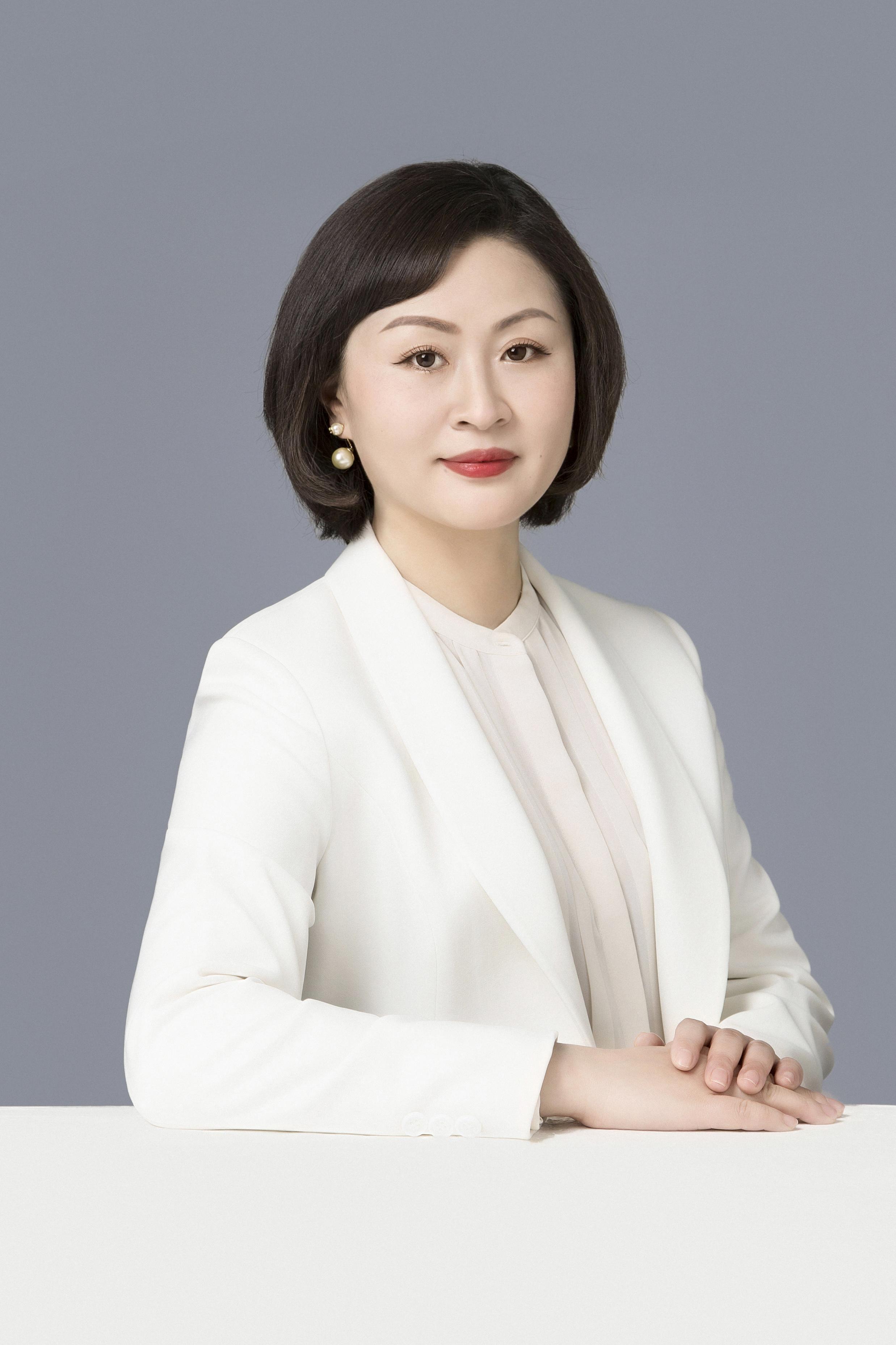 Meg Zhang(1).jpg