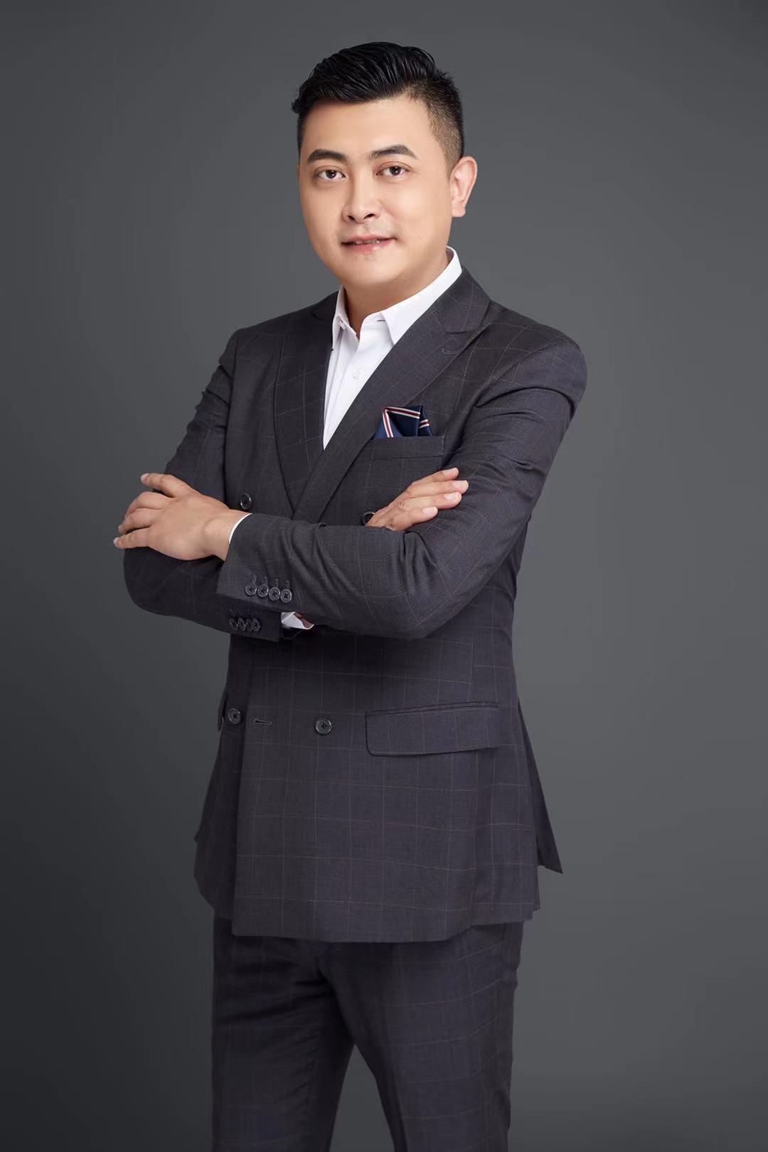 上海虹桥祥源希尔顿酒店任张博文为运营总监